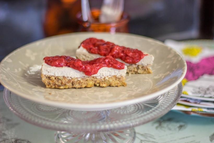 sliceberrycake