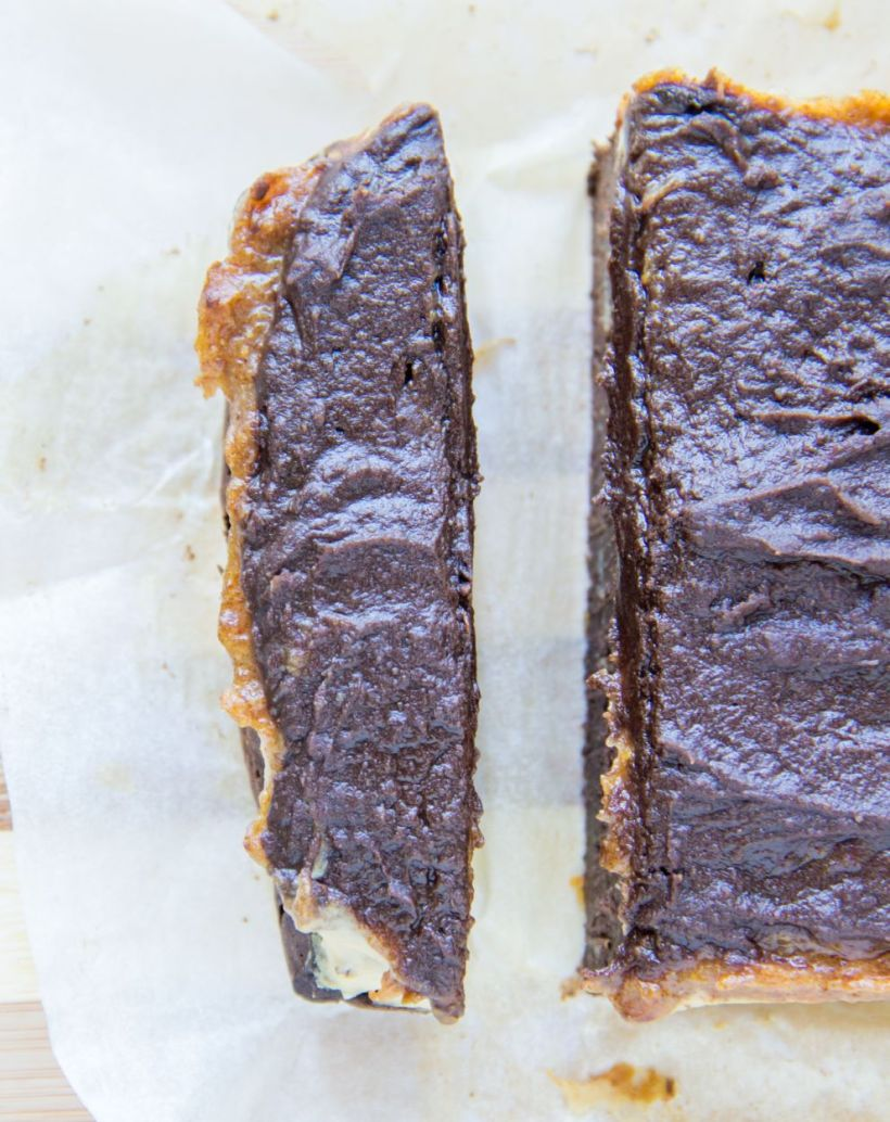 slicedsnickerscake