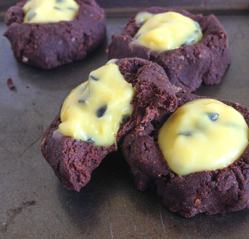 Passion fruit curd via Marfigs' Munchies {vegan + gluten-free}