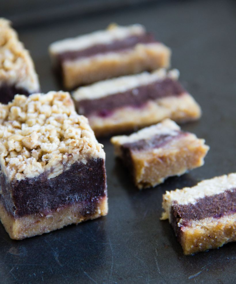 Sweet potato oat bars {vegan + gluten-free} via Marfigs' Munchies